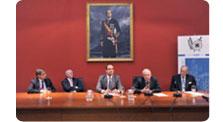 Mesa redonda sobre los servicios de inteligencia y la Transición