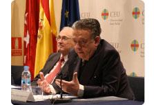 Participantes en la presentación como Juan Fernández-Miranda y Charles Powell entre otros.